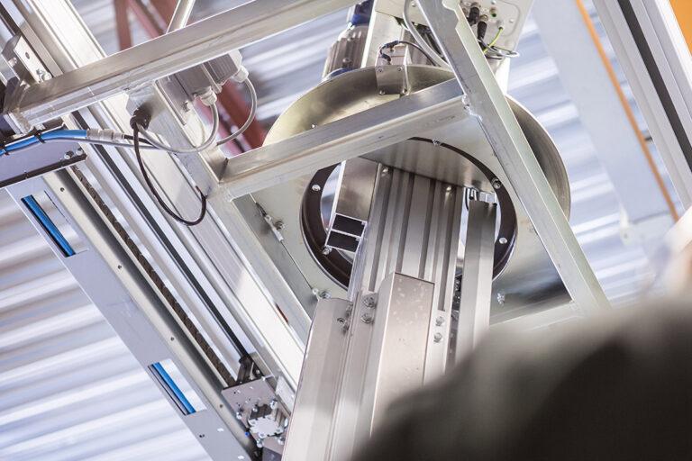 Pelarlyft - momentupptagande lyftmanipulator lyfthjälpmedel - Mechlift Pro Movomech