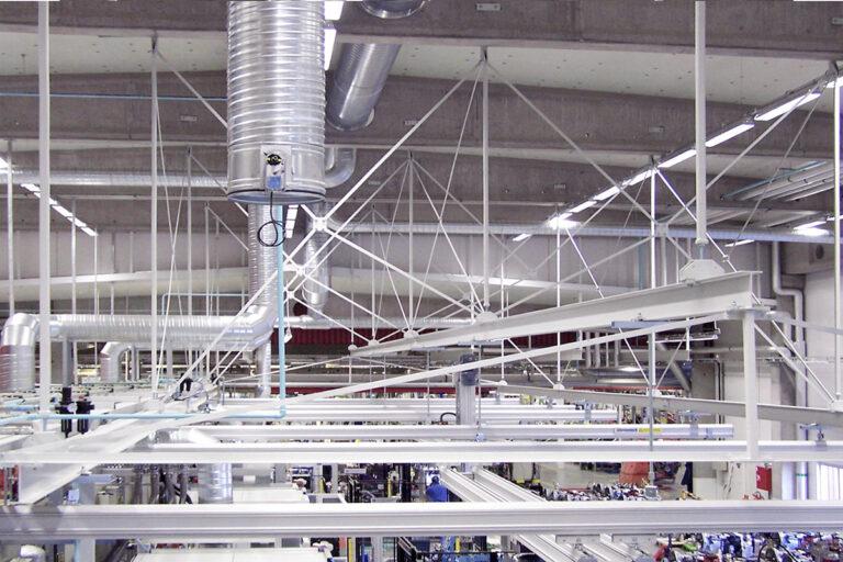 Takmonterad stålstruktur för traverssystem Mechrail™