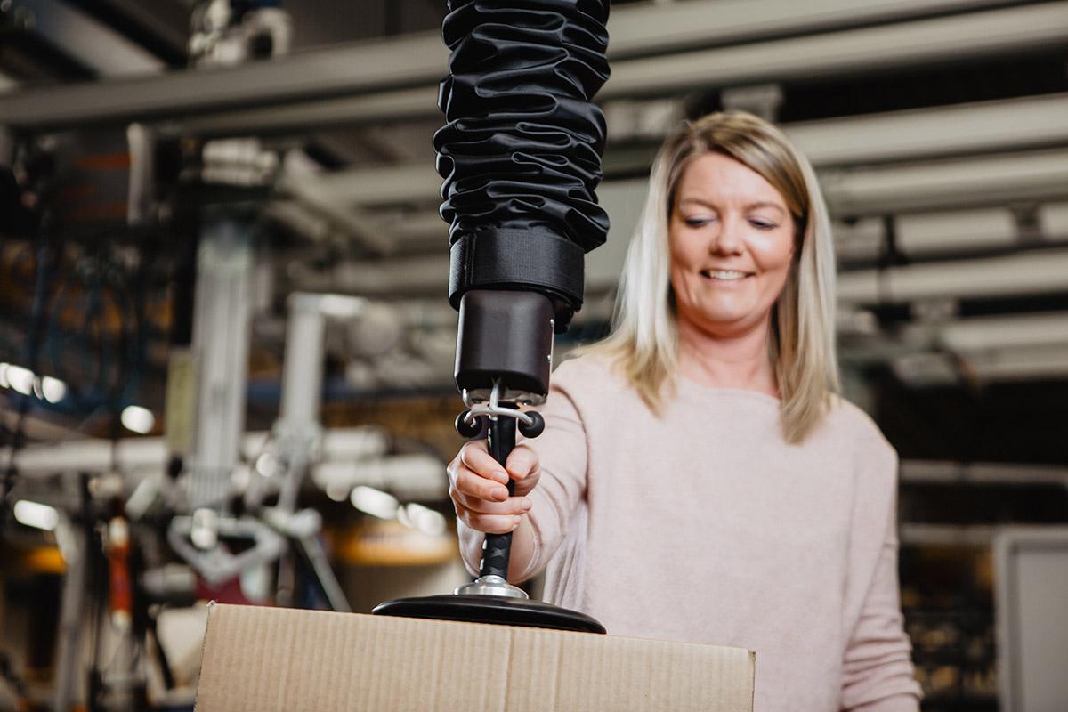 Easy to use vacuum tube lifter EASYHAND PRO - Movomech - vakuumlyftare - vakuumlyft