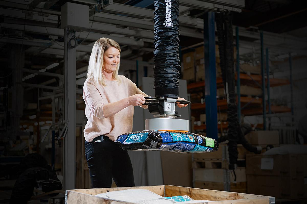 Vakuumlyftare Vacuhand Pro - vakuumlyft från Movomech - lyfta säckar - skivor - plåtar - lyfthjälpmedel för industri - vakuumlyft